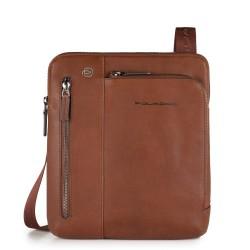 Borsello porta iPad®Air/Pro 9,7 con doppia tasca frontale chiusa da zip Black Square colore cuoio - PIQUADRO CA1816B3/CU